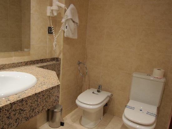 California Palace : Bathroom