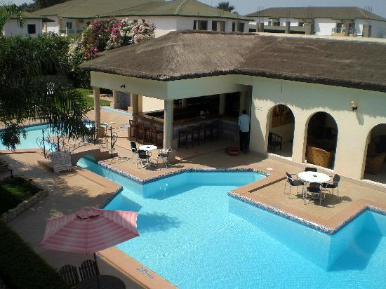 Seaview Gardens Hotel : relax in the pool