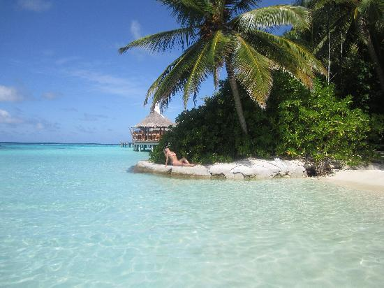 Baros Maldives: Alternative place to catch some sun!