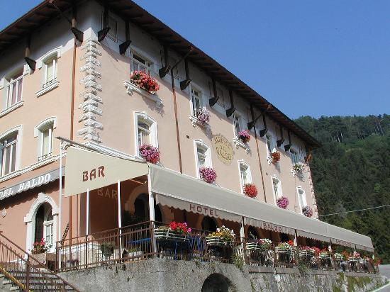 Ferrara Di Monte Baldo Italien Hotel