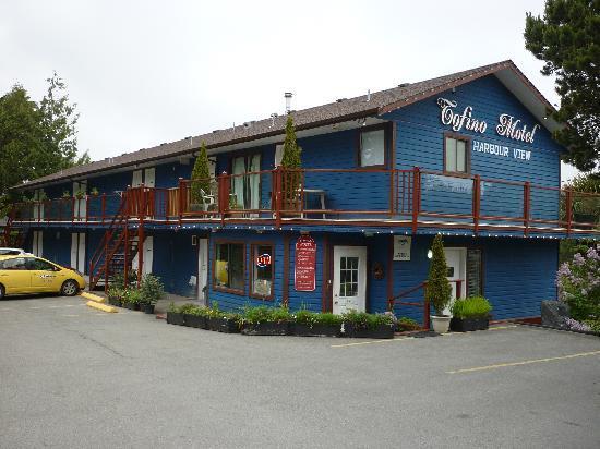 Tofino Motel HarbourView: Frontansicht - Reception und Zimmer