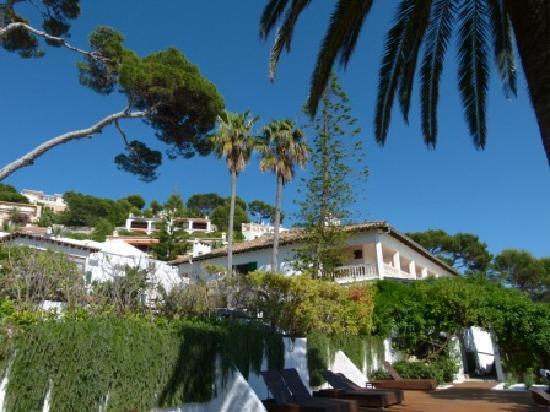 Cap Vermell Beach Hotel: Hotel von Sonnenterrasse aus