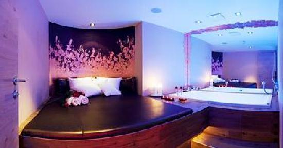 Hippach, Austria: Life & Spa Hotel Stefanie Whirlpool Relax