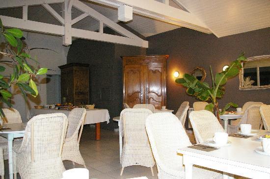Hotel Aquitaine : salle des petits dejeuners