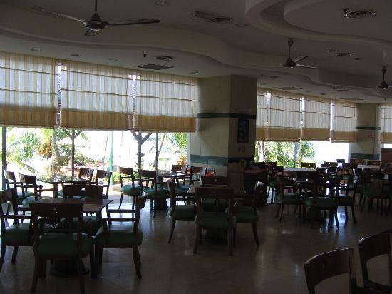 Costa Rica Hotel & Apartments Port Dickson Beach Resort: The restaurant, it feels good