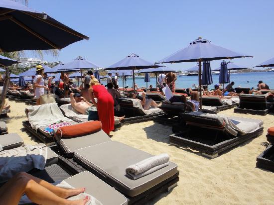 Nammos: psarou beach club