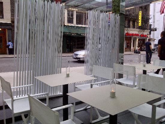 Cafe B: terrazza esterna