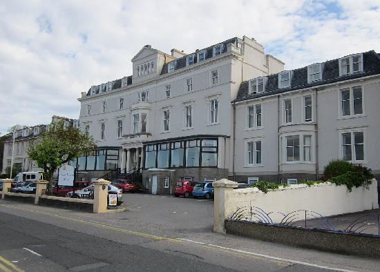 Bay Great Western Hotel : Hotel from Corran Esplanade