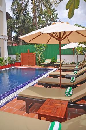 MotherHome Inn: Pool