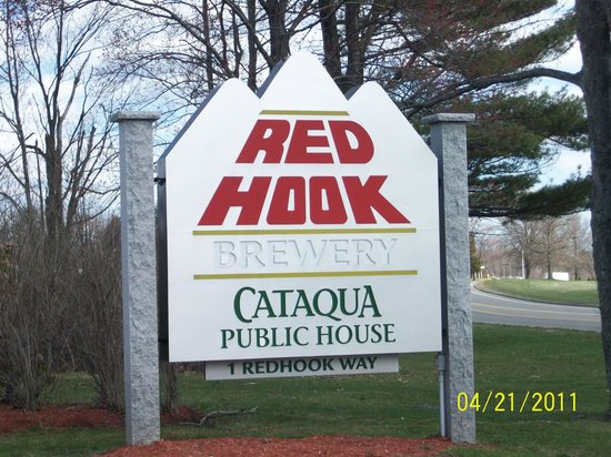 Redhook Portsmouth Brewery & Cataqua Public House: Front Sign