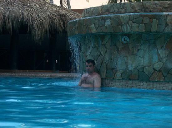 Isla Caribe Beach Hotel : Una de las Piscinas