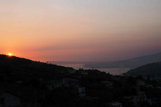 Pimonte, Italy: tramonto dalla camera