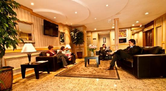 Ramada Victoria: Newly improved lobby & sitting foyer area!