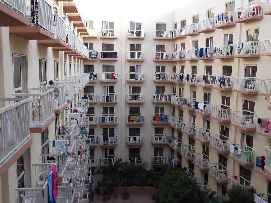 Qawra Palace Hotel: Prison