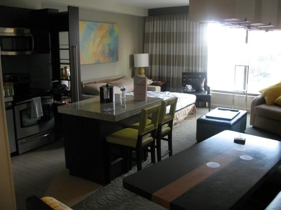 Bay Lake Tower at Disney's Contemporary Resort: the lounge with sofa bed out
