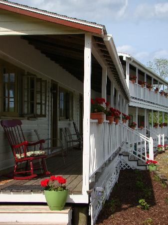 bay leaf cottages   bistro prices   b b reviews  maine  bay leaf cottages and bistro lincolnville maine