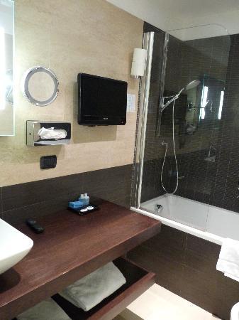 Hotel De Petris: Badkamer