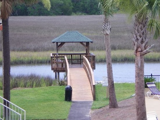 Creekside Lands Inn: Crabbing Dock