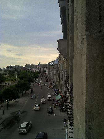 Vue de l 39 ext rieur picture of auberge du vieux port - Auberge de jeunesse marseille vieux port ...