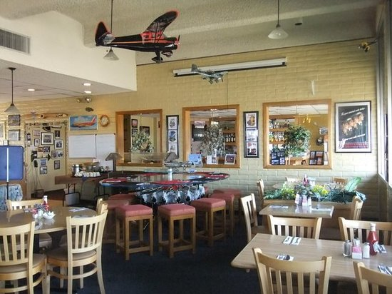 left seat restaurant lounge airplane engine table amazing - Aviation Decor