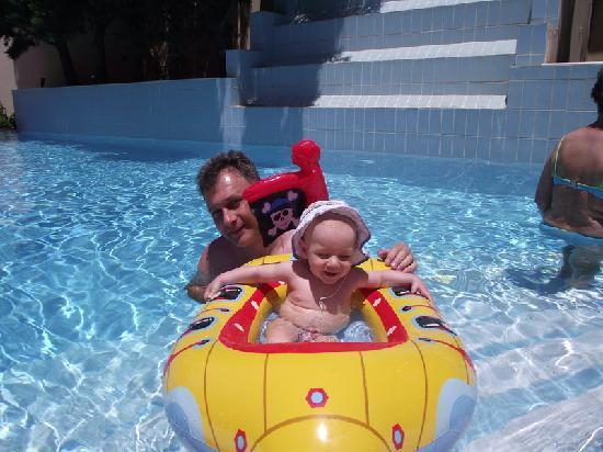 Mitsis Summer Palace: AZ EGGYIK MEDENCE