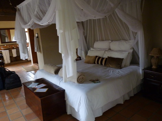 Toro Yaka Bush Lodge: Innenansicht