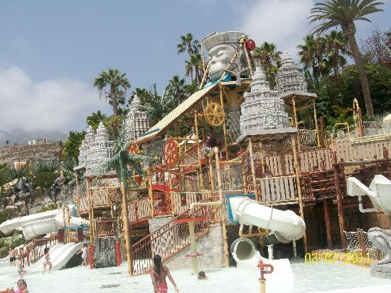 Holiday Village Tenerife: lost cirt siam park