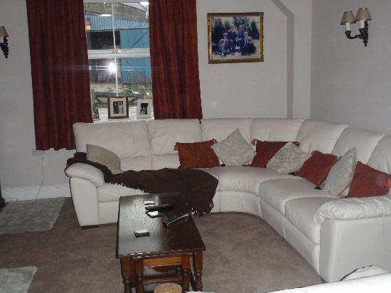 Barrow Vale Farm: Guest's shared lounge room (I think?) #1