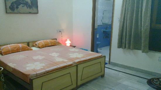 N.Homestay: Room 1B a