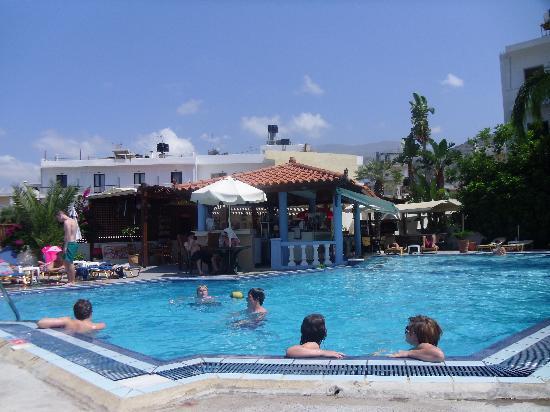 Malia Mare Hotel: the pool