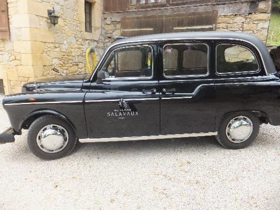 Chateau Salavaux : London cab to bring you in style to the opera