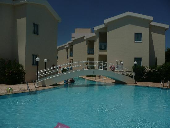 Kissos Hotel: Lagoon pool