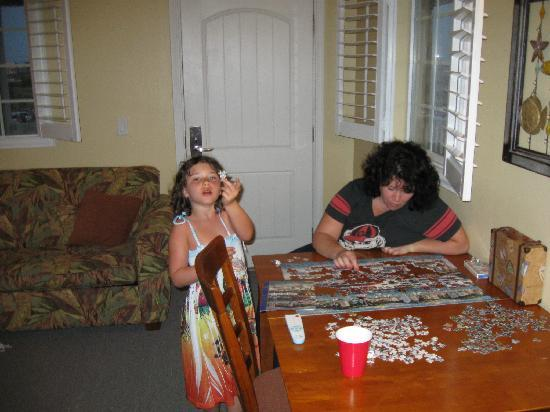 Seashell Village Resort: having fun in the room - puzzle time!