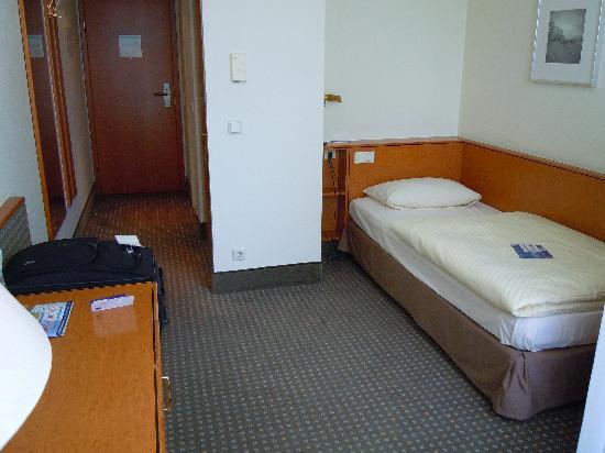 Best Western Hotel Kaiserslautern: room
