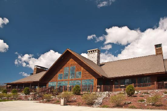 Hanah Mountain Resort and Country Club: The main building