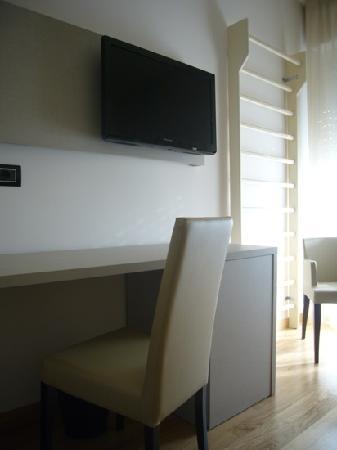 Hotel Sporting: particolare spalliera nella camera