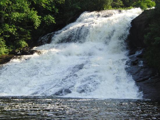 Red Deer Log Cabins and Campground: Moores falls
