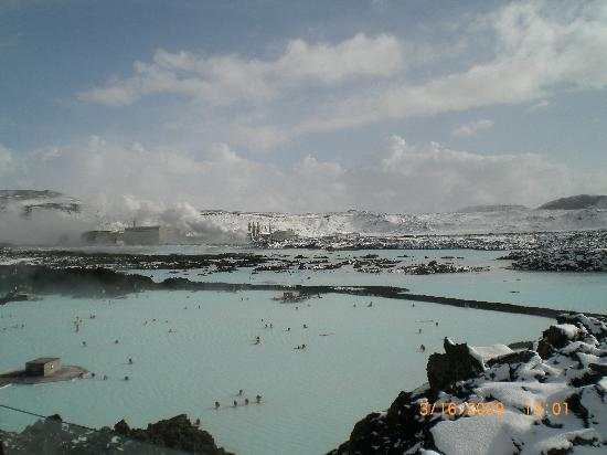 Silica Hotel: Looking over the Lagoon, Above the Lava Restaturant!
