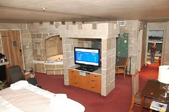 Canad Inns Destination Centre Fort Garry: Castle Theme Room