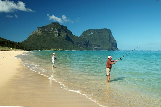 Somerset Apartments: beach fishing on Lord Howe Island