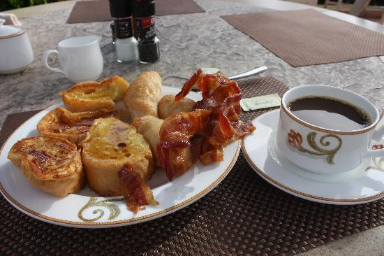 Las Casitas Village, A Waldorf Astoria Resort: breakfast..MMMmmmm delicious!!!