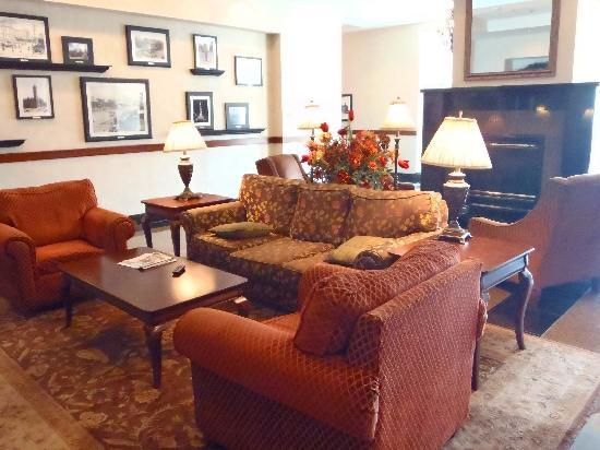 Drury Inn & Suites Indianapolis Northeast: Lobby