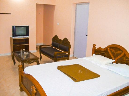 Hotel Aruvi
