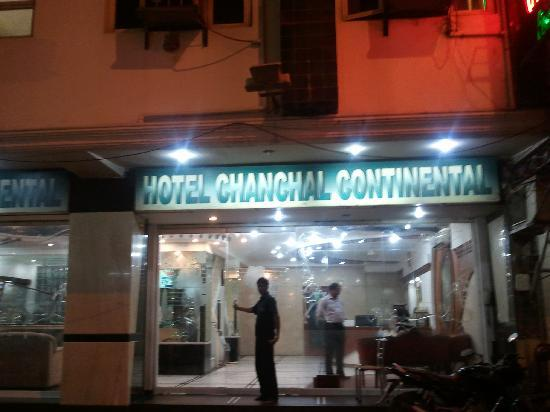 Hotel Chanchal Continental: Front