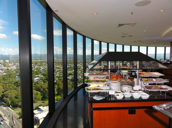 Buffet picture of four winds revolving restaurant for Four restaurant