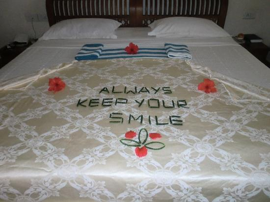 Coconut Bay Beach Resort: Every Day a nice message from the room maid