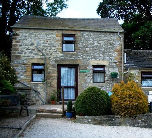 Bolehill Farm Cottages: Bolehill's Bluebell Cottage - Top Floor, window from kitchen overlooks parking.