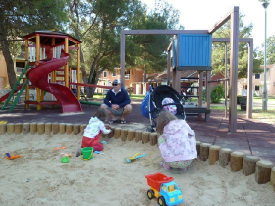 Sol Amfora Apartments: Playground for children
