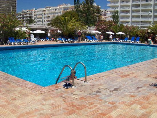 Vasco da Gama Hotel: piscina gigante...