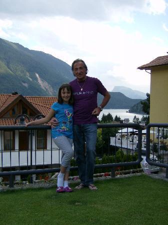 Casa Vacanze Dorigoni: dal giardino con vista lago
